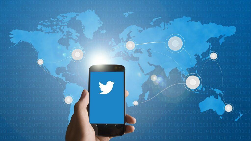 smartphone twitter global