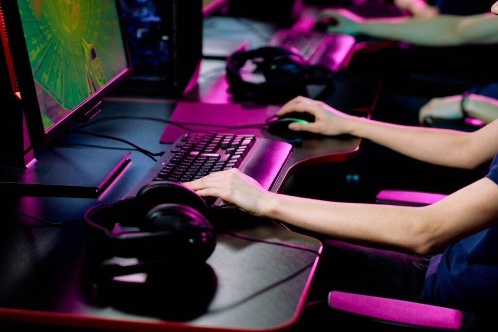 Cyber sport gamer