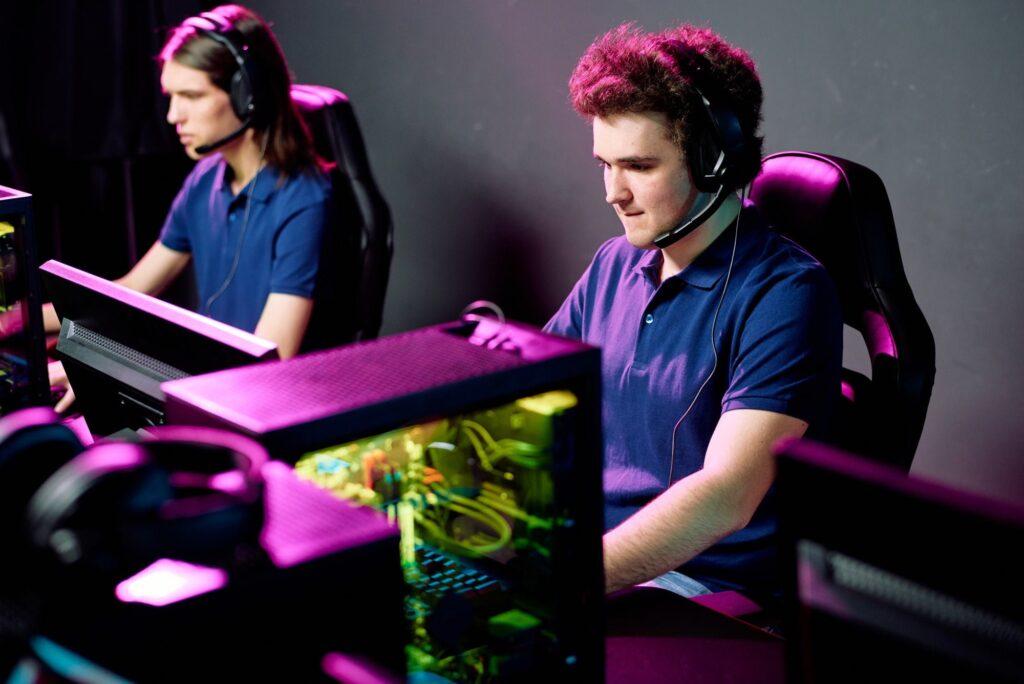 E-sport gamers