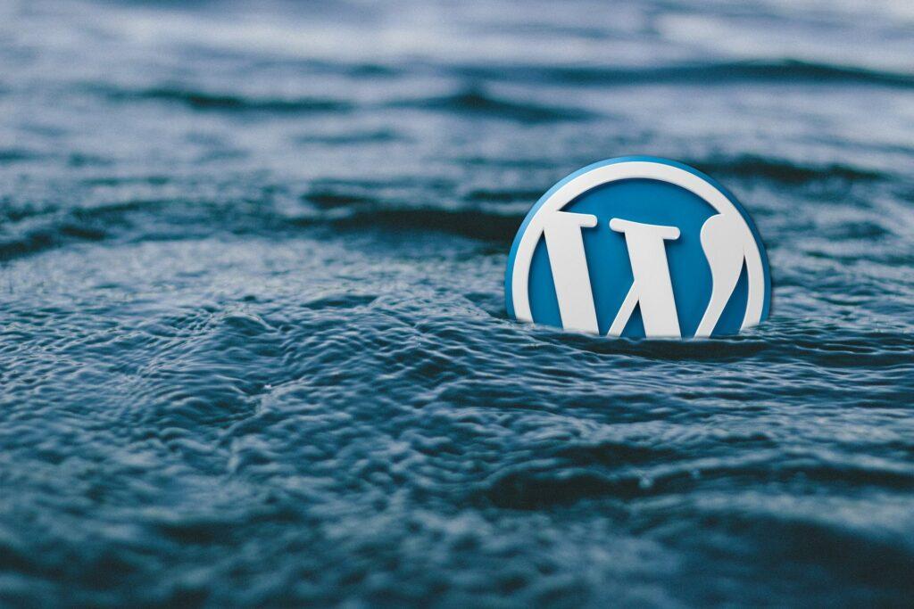 WordPress Floating Logo